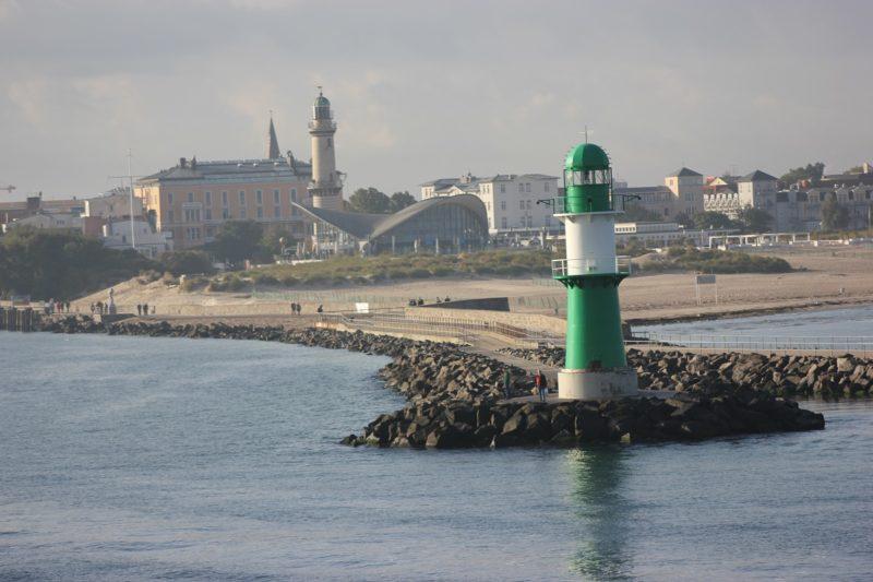 Warnemünde west pier & Warnemünde lighthouse
