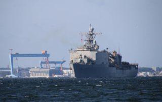 USS Fort McHenry (LSD-43)