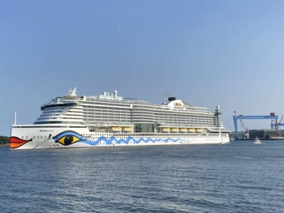 AIDAprima is leaving Kiel