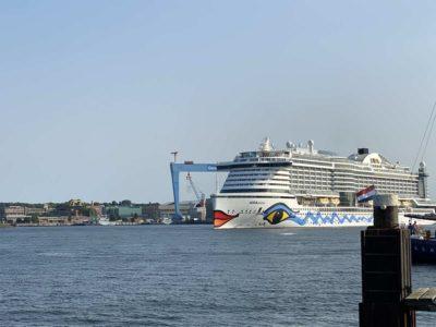 AIDAprima port of Kiel