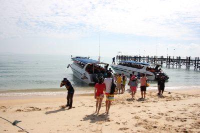 By motorboat from Ko Samui to Ko Tao