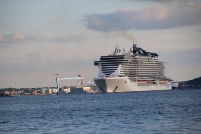 Kreuzfahrtschiffe in Kiel MSC Seaview