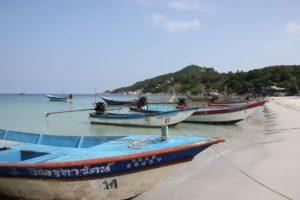 Motorboote am Haad Rin Beach auf Koh Phangan
