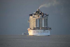 MSC Seaview verlässt Kiel Richtung Ostsee