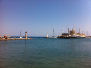 Rhodos Mandraki Hafen Hirsch & Hirschkuh - Elafos & Elafina an der Hafeneinfahrt