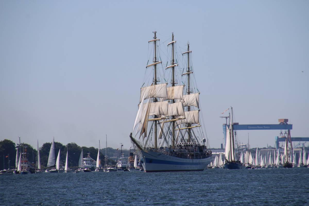 Segelschiff Mir Windjammerparade 2019