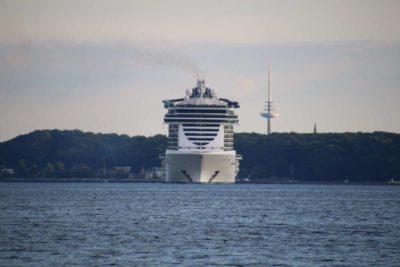 MSC Seaview Kreuzfahrtschiff in Kiel