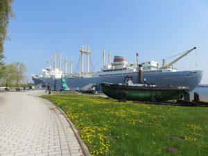 Traditionsschiff Typ Frieden im Rostocker IGA Park