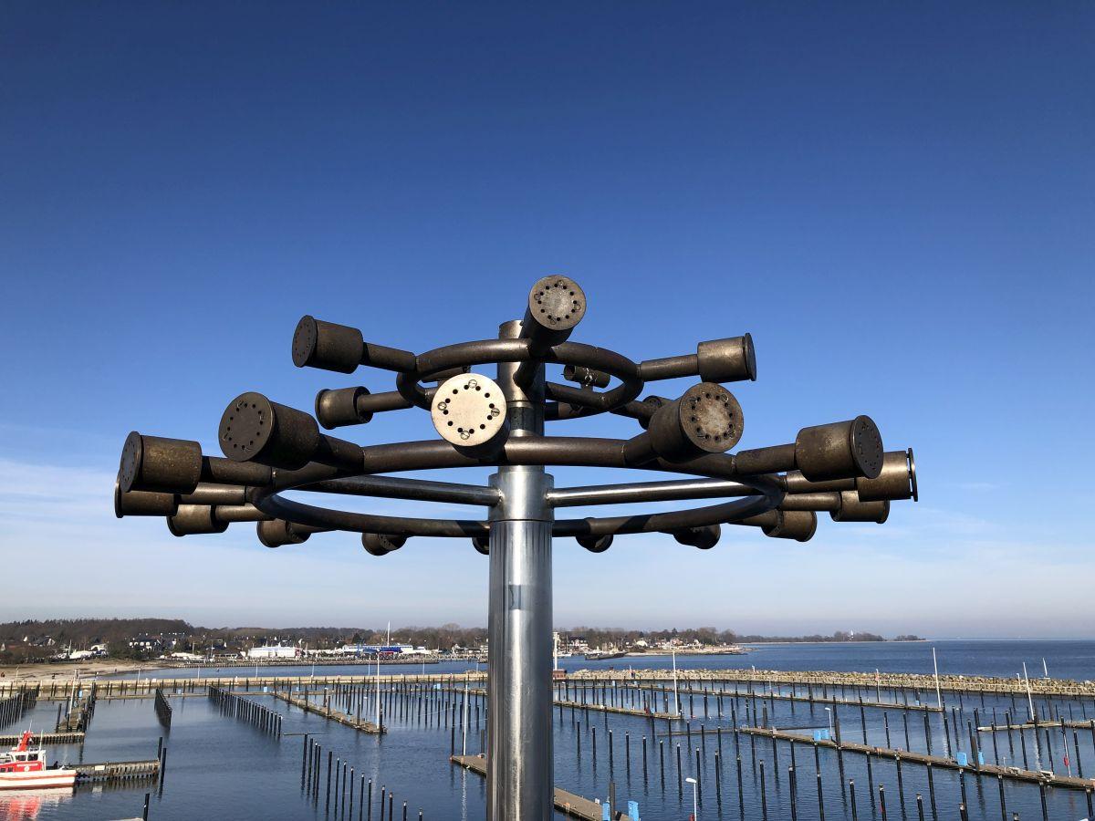 Olympisches Feuer Olympiahafen Schilksee auf dem Turm der Hafenmeisterei