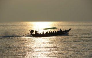 Langboot im Gof von Thailand