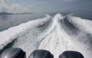 Motorboot mit 3 Motoren in Thailand von Koh Samui nach Koh Tao