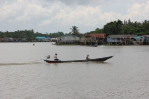 Motorboot Thailand Ta Pi Fluss Surat Thani
