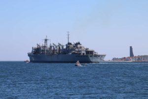 USNS Supply verlässt Kiel